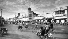jalan-tunjungan-pojok-selatan-pertigaan-embong-malang-basuki-rachmat-tahun-1930-an-dok-yousri-dari-surabaya-tempo-dulu1
